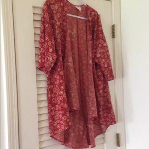 Lovely  Lularoe Lindsay kimono size S.